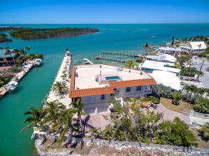Gulf front home on canal and vaca cut