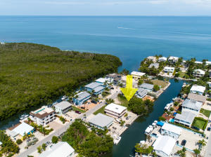 Fantastic location just around the corner from Florida Bay