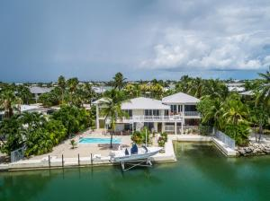 340 S Point Drive, Sugarloaf Key, FL 33042