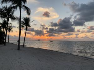 2  Sunset Key Drive  For Sale, MLS 587234
