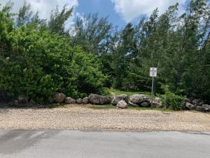 Buttonwood Avenue, Key Largo, FL 33037