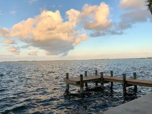 6 Allamanda, Key Haven, FL 33040