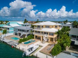 414 E Caribbean Drive, Summerland Key, FL 33042
