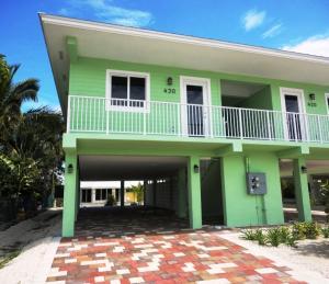 430 3Rd St, Key Colony, FL 33051