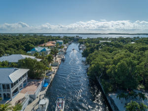 22 Bass Avenue, KEY LARGO, FL 33037