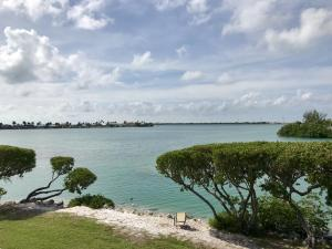 5105 Sunset Village Drive, Duck Key, FL 33050