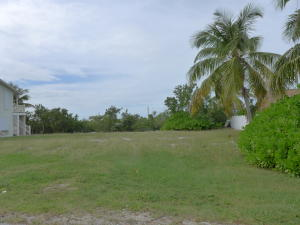 8 Blue Water Drive, Saddle Bunch, FL 33040