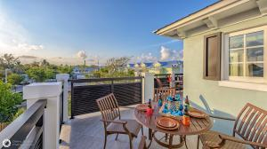 """""""Portside Pearl"""" has expansive views from the roof deck."""