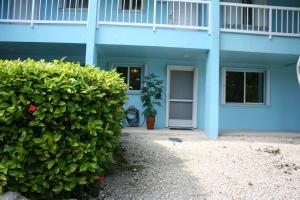 98421 Windward Avenue, Key Largo, FL 33037