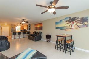 9 Sombrero Boulevard, 105, Marathon, FL 33050