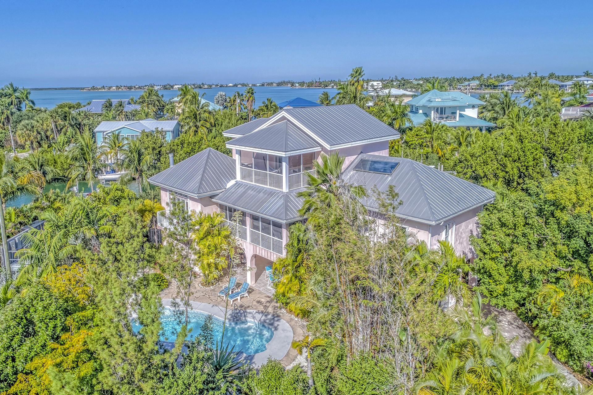 Photo of 17033 Coral Drive, Sugarloaf, FL 33042