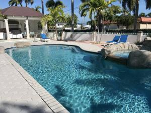 1025 W Ocean Drive Penthouse West, KEY COLONY, FL 33051