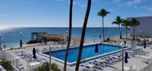 201 E Ocean Drive, 1-#203, Key Colony, FL 33051
