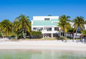 711 W Ocean Drive, Key Colony, FL 33051