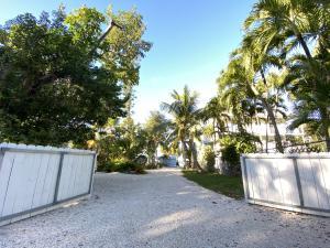 356 Buttonwood Shores Drive, Key Largo, FL 33037