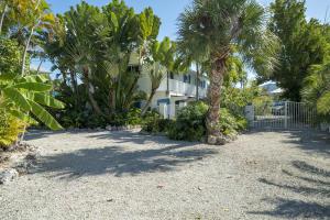 16610 Cypress Road, Sugarloaf, FL 33042