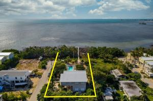 approx. property lines-ocean front location!