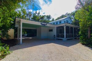 143 Plantation Boulevard, Plantation Key, FL 33036
