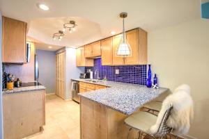 201 E Ocean Drive, 3-105, Key Colony, FL 33051