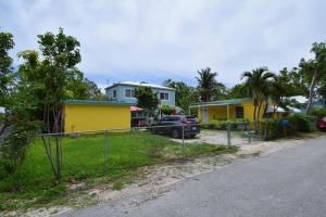 110 Hibiscus Drive, Key Largo, FL 33037 Double Lot Property