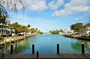 7066 Harbor Village Drive, Duck Key, FL 33050