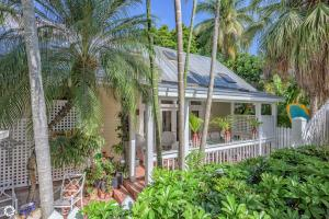 1213 Grinnell Street E, KEY WEST, FL 33040