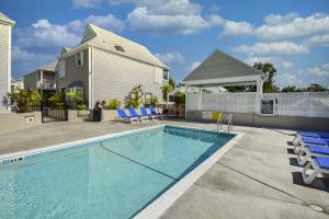 1075  Duval Street R21 For Sale, MLS 589886