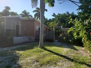 132 Sugarloaf Drive, Sugarloaf, FL 33042