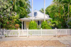 327 William Street, Key West, FL 33040