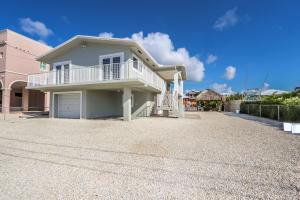 60 Andros Road, Key Largo, FL 33037