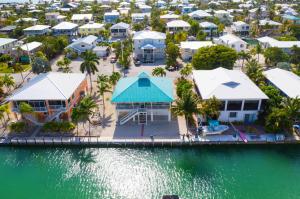 969 E Caribbean Drive, Summerland Key, FL 33042