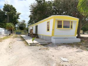 31 Freedom Lane, Big Pine Key, FL 33043