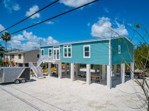 16961 Driftwood Lane, Sugarloaf, FL 33042