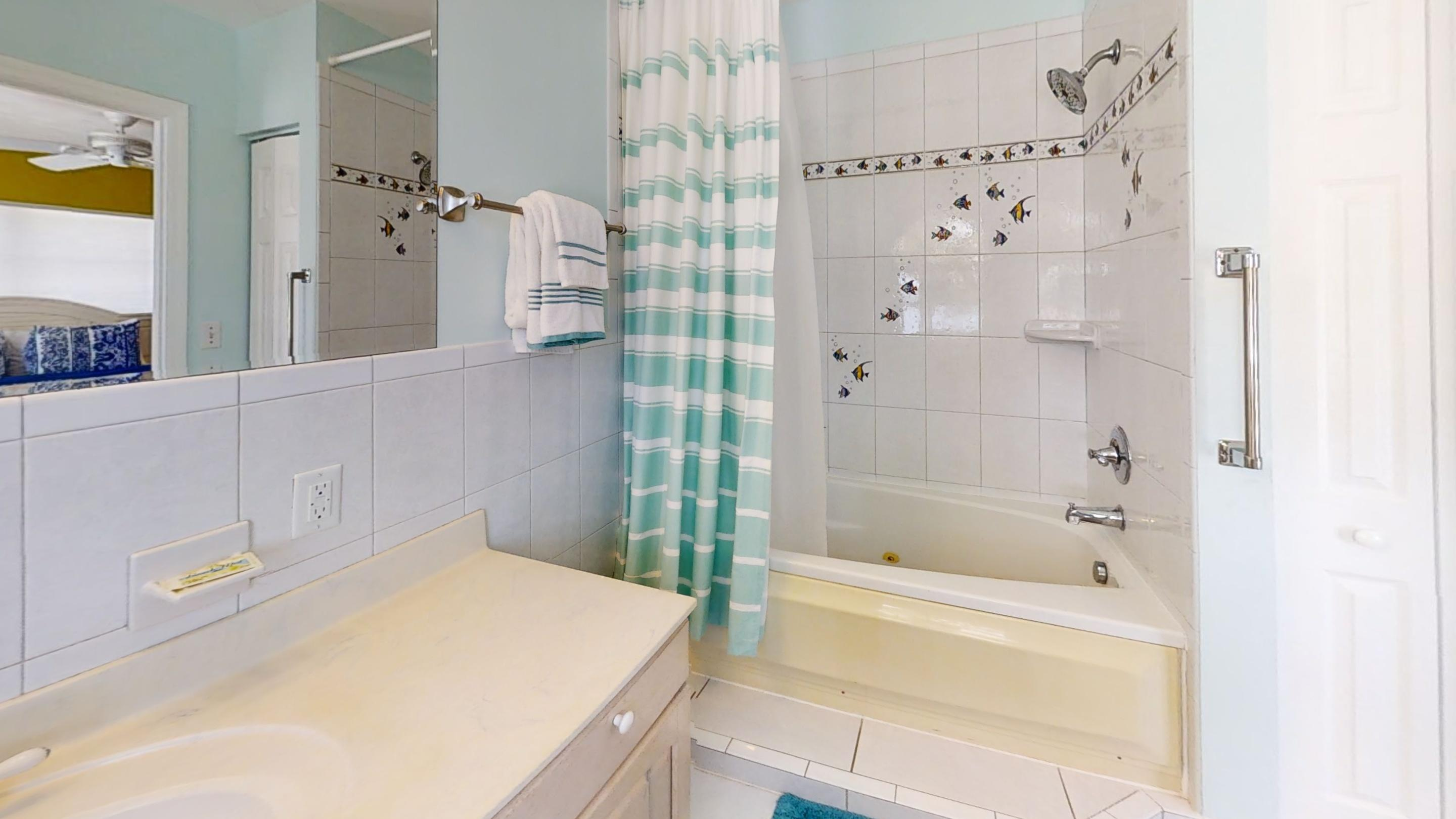 371-5th-St-Key-Colony-Beach-Bathroom