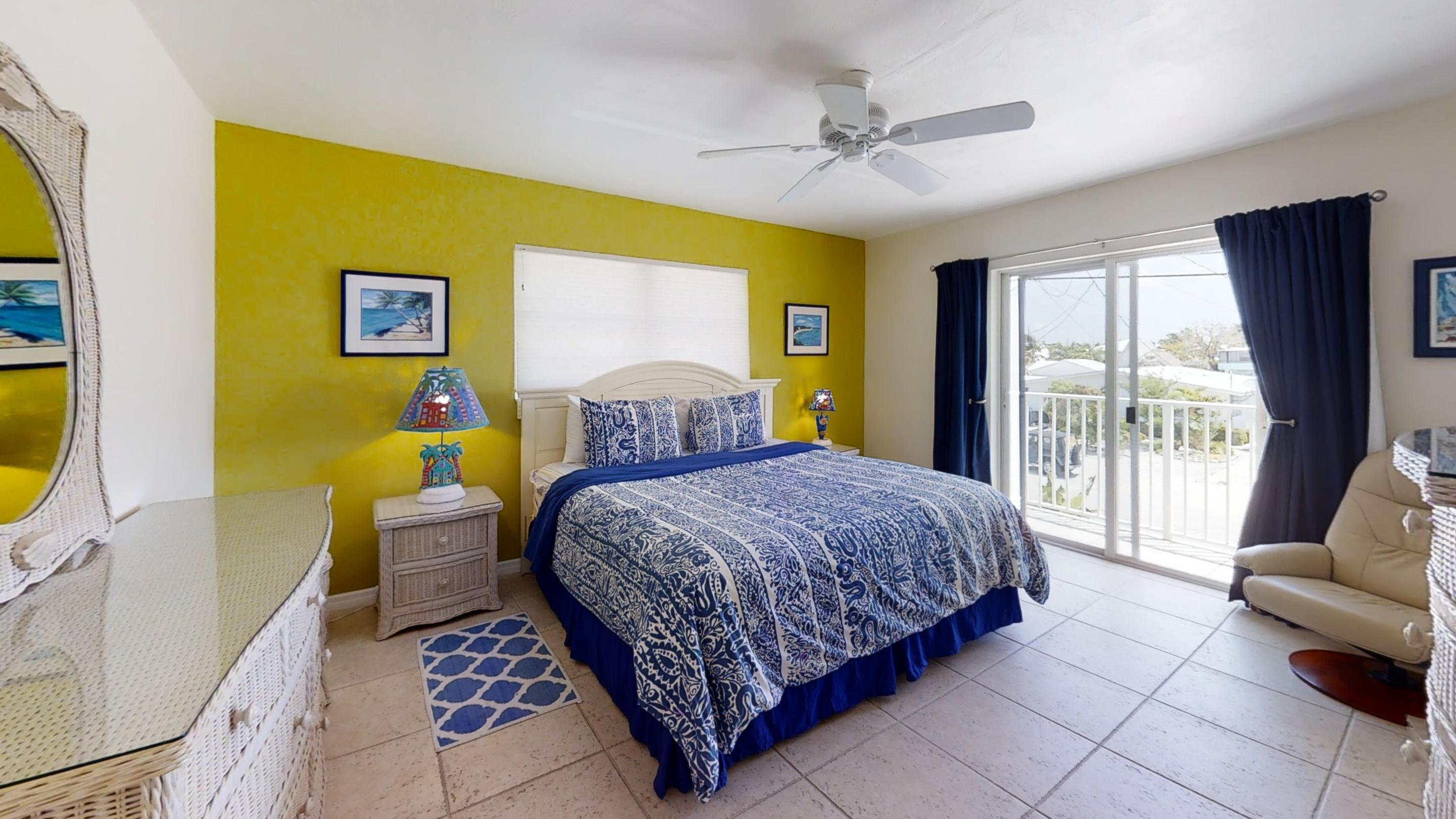 371-5th-St-Key-Colony-Beach-Bedroom (1)