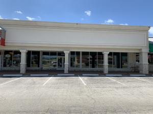 For lease $10,000/ month plus sales tax. Join the U.S. Post Office, Jimmy Buffett's Margaritaville Store, Walgreens, AT &T, Sandal Factory and others in this high volume Center in the Heart of the Marathon Business District between Publix and Home Depot. Convenient access, dedicated parking, rear delivery access and employee parking. Large highly visible signage space. Over 6600 sq.ft. with large storefront completely renovated in 2010.