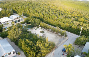 862 Cardinal Lane, Key Largo, FL 33037