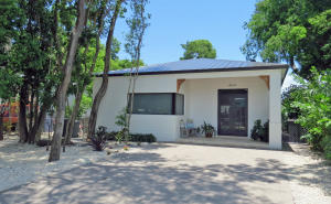 7 Cindy Place, KEY LARGO, FL 33037