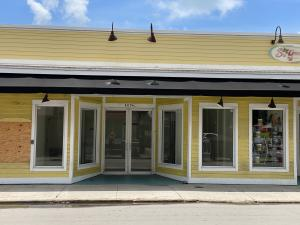 One of the best retail locations in Old Town Key West located on the Duval/Front Corridor.  Outstanding foot traffic from tourists, approximately ~735sf with great display windows along a shaded sidewalk. Monthly rent quoted is base rent only in addition are triple net charges and sales tax.