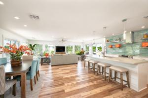 17230 Oleander Lane, Sugarloaf Key, FL 33042