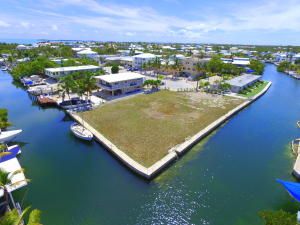 301 Buttonwood Circle, Key Largo, FL 33037
