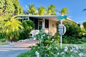810 N Topaz, Key Largo, FL 33037