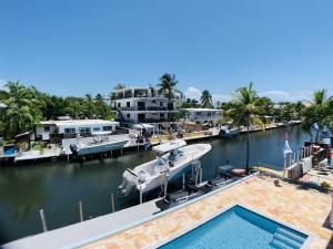 821 Bonito Lane, Key Largo, FL 33037