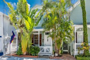 1126 Olivia Street, 421, Key West, FL 33040