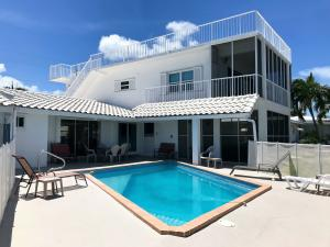 300 12th Street, Key Colony, FL 33051