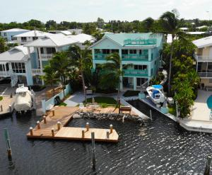 406 S Coconut Palm Boulevard, Plantation Key, FL 33070