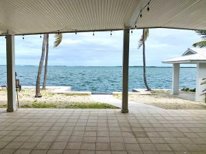 2 Allamanda Terrace, Key Haven, FL 33040