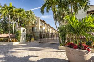 1616 Atlantic Boulevard, 15, Key West, FL 33040