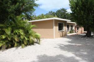 100 Parker Drive, Upper Matecumbe Key Islamorada, FL 33036