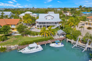 canal side of home, walk to Sombrero Beach, minutes to Ocean, Boot Key Harbor or Gulf side!
